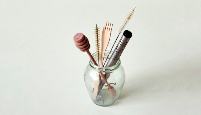 idei de cum poti refolosi sticlele si borcanele