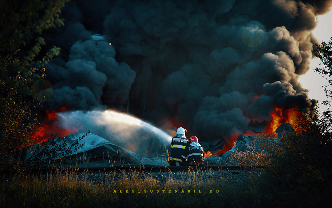 Pompierii intervin la Incendiul de la Fabrica Atifco Bragadiru 30 Iulie 2020